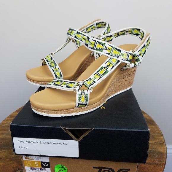 140c76a97e99 Teva Shoes